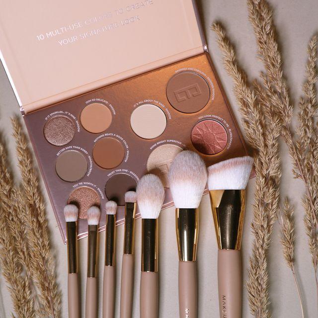 Signature Multi-use Palette & Soft Sand Brush Set